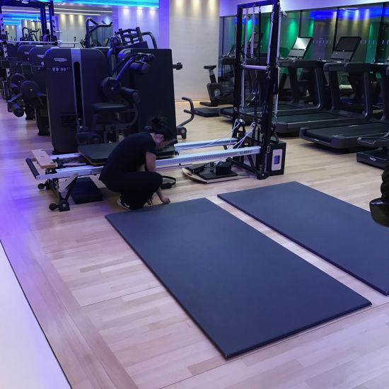 Apartment gym sand Junckers